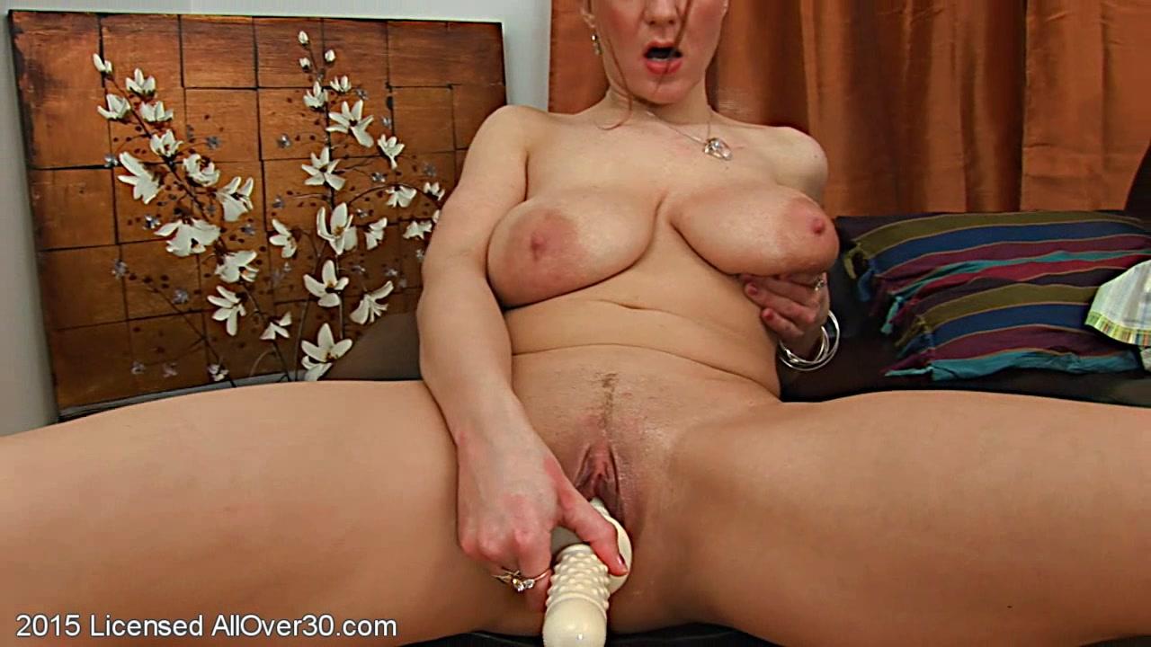 Big Tits Moms Dildo