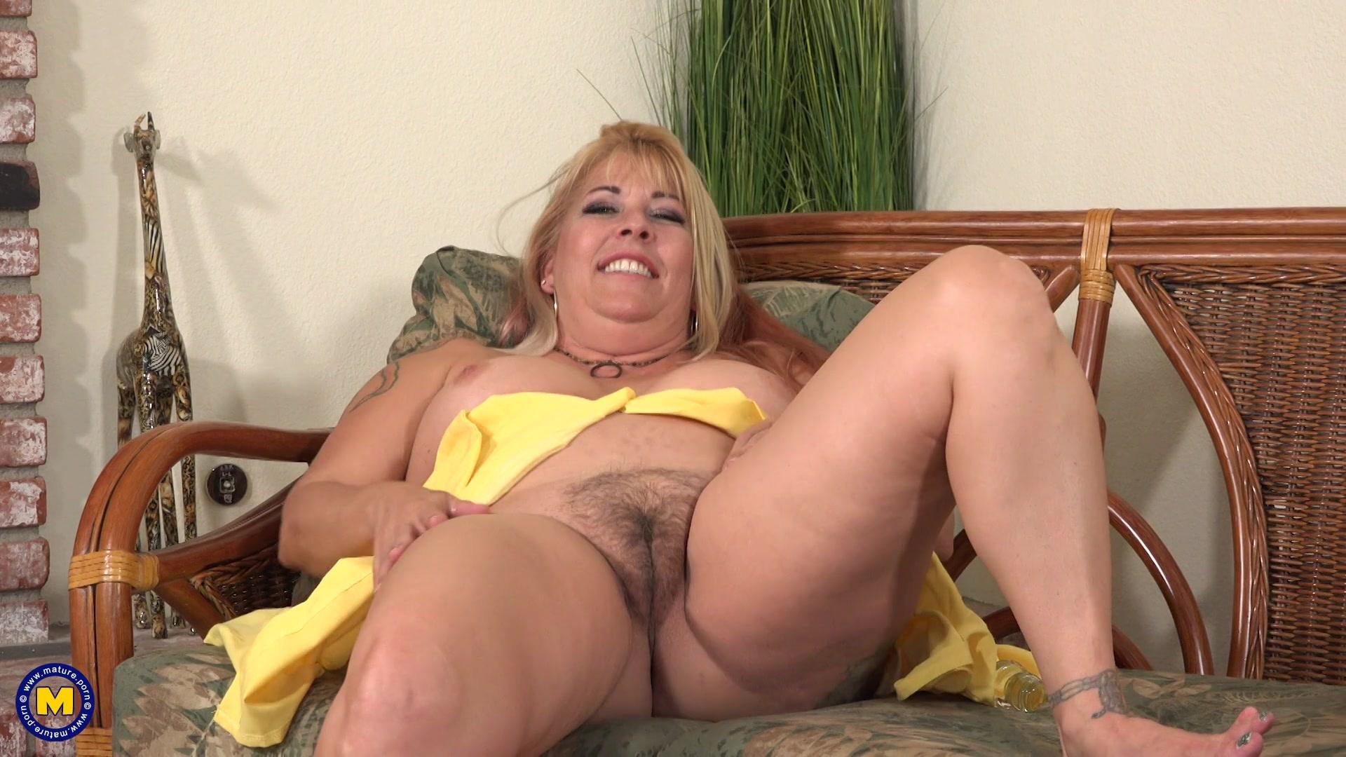 Hairy Mature Dildo Orgasm